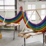 <p><strong>Saint Jean Industries, Rainbow Table, Aluminium poliert, farbig lasiert</strong></p>