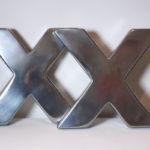 <p><strong>MDF-Buchstaben, PS Spritzmetall Aluminium, poliert</strong></p>