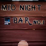<p><strong>Beschichtung: Chrom-Optik-Beschichtung, farbig lasiert</strong><br /> Xaver Sedelmeier, Midnight Bar on road to Tsumkwe // Namibia 2015</p>